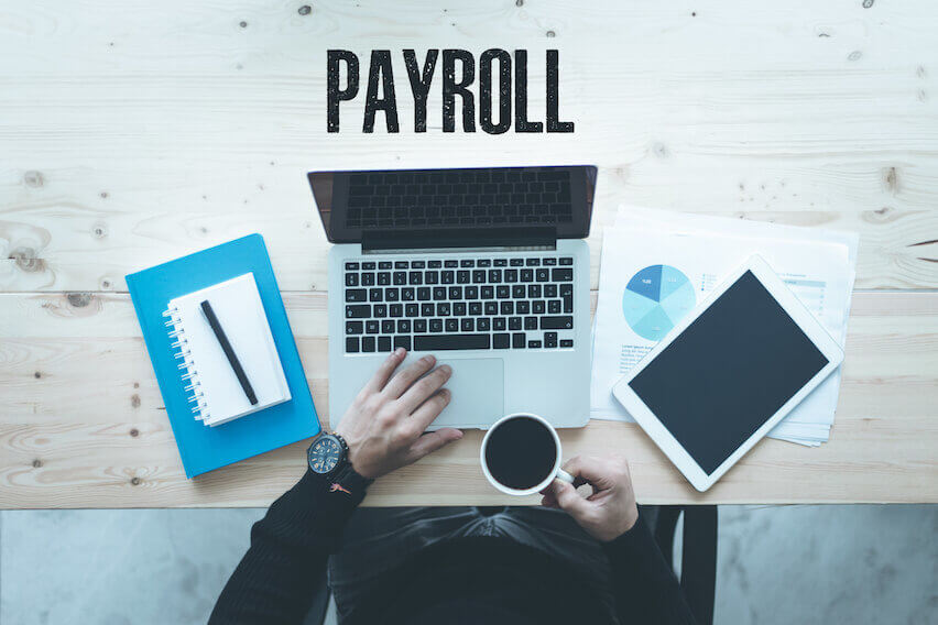 Employee vs. Contractor: How Does an Employee Status Affect payroll?